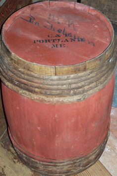 EARLY MAINE BARREL DRY RED PAINT