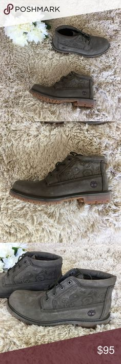 New without box Women's timberlands Timberlands  Waterproof Women's Great for hiking or work Size 9.5 Grey  Really cool design on the sides New without box No damage Timberland Shoes