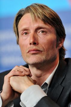 Wait… maybe dying of 'bones happiness is the only true way to die… MAYBE touching them is the MEANING OF LIFE. (!!!) | 28 Reasons Why You Should Be Sexually Attracted To Mads Mikkelsen's Cheekbones