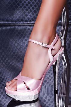 pretty shoes, pretty feet