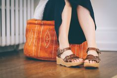 Famolare Shoes Get There Honeybuckle Sandal in 'Earth' | Shop Famolare 1969