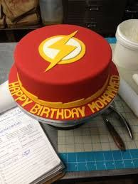 The Flash Cake Ideas / Flash Themed Cakes Flash Birthday Cake, New Birthday Cake, Boy Birthday, Bolo Flash, Flash Cake, Superhero Cake, Superhero Birthday Party, Superhero Kids, Online Cake Delivery
