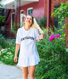 STAYcation : @valiegb Emma Verde, Insta Goals, Photo Instagram, Photos, Pictures, Shirt Dress, Staycation, Youtubers, Star