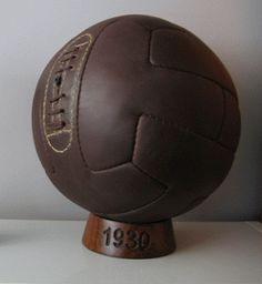 Pelota de cuero modelo argentino de 12 paneles, Balón del mundial de Uruguay de 1930