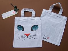 Kresba na textil by Lady Lu * Cat Bag, Reusable Tote Bags, Textiles, Drawings, Cats, Handmade, Sketches, Gatos, Hand Made