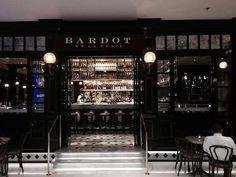 Bardot, lite finare restaurang på Ingemar Bergmans gata