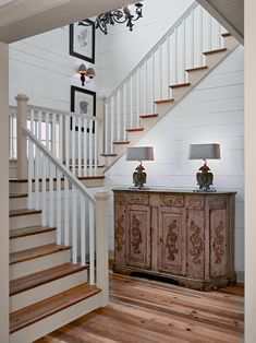 Staircase Farmhouse Staircase Design, Pictures, Remodel, Decor and Ideas - page… Rustic Staircase, White Staircase, Modern Staircase, White Banister, Cottage Staircase, Staircase Contemporary, Staircase Landing, Staircase Remodel, Railing Design