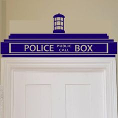 Iconic Stickers - Doctor Who Tardis Police Box Wall Sticker / Decor Design Kids Transfer Vinyl - As Pictured - Size: Small - Colour: Lavender Doctor Who Tardis, Doctor Who Room, Doctor Who Decor, Diy Doctor, Eleventh Doctor, Doctor Who Bathroom, Lilo And Stich, Tardis Door, Police Box