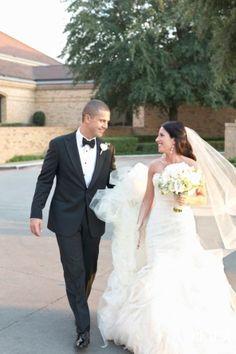 Stephanie + Eric Wedding Day | Perez Photography via Carats & Cake