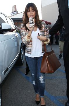 Kourtney Kardashian, love the casual look and her céline structured bag!