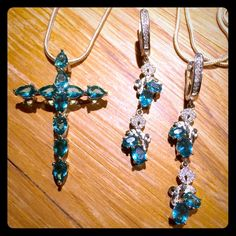 AQUAMARINE CRYSTAL CROSS AND DROP EARRING SET .925 silver. Necklace and earring set. Jewelry