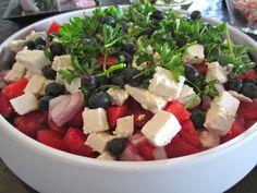 Vandmelonsalat Vegetarian Recipes, Healthy Recipes, Danish Food, Gourmet Cooking, Greens Recipe, Healthy Food Choices, Recipes From Heaven, Feta, I Foods