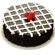 Midnight surprise cake delivery in Hyderabad India http://www.midnightgifts.com/