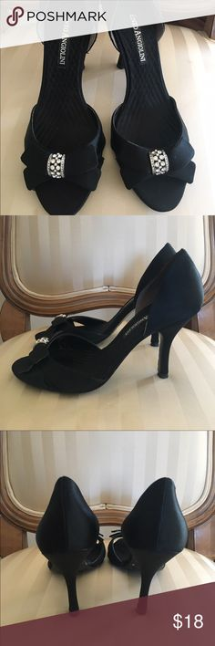 ENZO ANGIOLINI shoes size 7 ENZO ANGIOLINI shoes size 7, used a couple of times, good condition, super cute and elegant Enzo Angiolini Shoes Heels