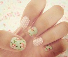 Vintage looking nails