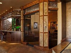 cigar room/poker room