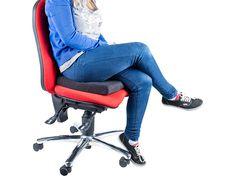 Ce coussin chauffant confortable est alimenté par un simple branchement USB. Vous pouvez donc le brancher sur un port USB de votre PC, sur un adapt...