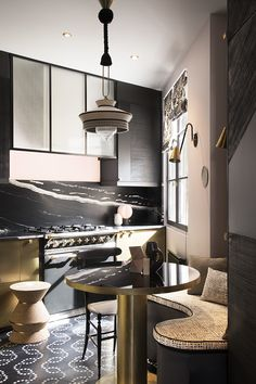 Materials for Kitchen Backsplash Designs Modern Home Interior Design, Interior Exterior, Dining Nook, Kitchen Dining, Home Decor Kitchen, Kitchen Interior, Kitchen Breakfast Nooks, Natural Kitchen, Kitchen Backsplash