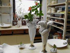 Vázy, mísy, svícny a další užitá keramika