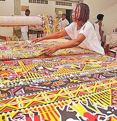 CORREIO | O QUE A BAHIA QUER SABER: Ilê Aiyê: conheça uma das fundadoras que cuida de perto das fantasias do bloco afro
