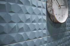 В коллекции Cromatica учтены все последние тенденции моды: графичность, эффект 3D-поверхности и, конечно же, приятные глазу цветовые сочетания. Ищите в КАЙРОС.