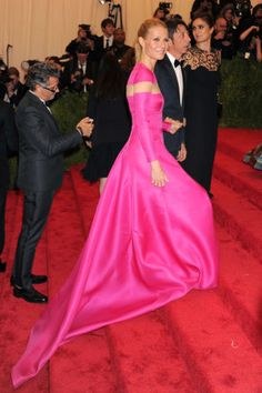 Dramatic trains at the Met Gala Awards: Gwyneth Paltrow in Valentino, 2013