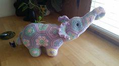 adorable hand crocheted stuffed elephant by pinatapets on Etsy African flower motifs Pattern by Heidi Bears