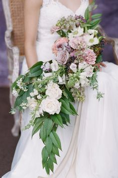 Dreamy English garden bouquet Photo: @almondleaf Cascade Bouquet, Rose Bouquet, Wedding Flower Inspiration, Wedding Flowers, Spring Blooms, Delphinium, Event Photos, Calla Lily, Garden Styles