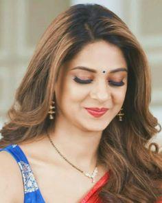 Beautiful Bollywood Actress, Most Beautiful Indian Actress, Beautiful Actresses, Indian Tv Actress, Indian Actresses, Jennifer Winget Beyhadh, Jennifer Love, Girl Photography Poses, India Beauty