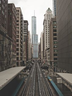 adams & wabash 'l' station, chicago, illinois | travel destinations + photography #wanderlust