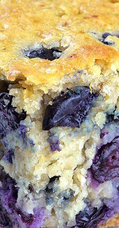 Healthy Yogurt Oat Blueberry Breakfast Cake - Breakfast at Tiffany's - Blueberries Blueberry Oatmeal, Blueberry Cake, Blueberry Recipes, Blueberry Breakfast Cakes, Healthy Yogurt, Healthy Baking, Healthy Treats, Breakfast At Tiffany's, Breakfast Healthy