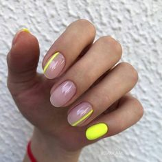 Pin on Nageldesign - Nail Art - Nagellack - Nail Polish - Nailart - Nails Neon Yellow Nails, Yellow Nails Design, Yellow Nail Art, Striped Nails, Neon Nails, My Nails, Yellow Stripes, Nails With Stripes, Gradient Nails