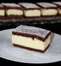 Pudingos-tejfölös szelet Sweet Desserts, Sweet Recipes, Diet Cake, Cookie Recipes, Dessert Recipes, Hungarian Recipes, Creative Cakes, Dessert Bars, No Bake Cake