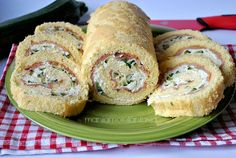 Rotolo salato con salmone, ricotta e zucchine Antipasto, I Love Food, Good Food, Yummy Food, Just Cooking, Cooking Time, Zucchini Quiche, Vegetarian Recipes, Cooking Recipes