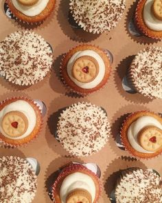 Jammie Dodger and Chocolate Cupcakes | thesmallslicebakery.com