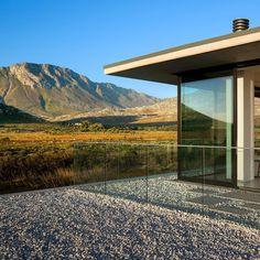 1,418 отметок «Нравится», 6 комментариев — SAOTA (@_saota) в Instagram: «Restio River House - Pringle Bay, South Africa. #architects #architecture #contemporary #saota…»