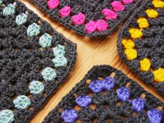 I love the colors! I totally want to make a granny square just like this :)