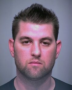 Christopher Ryan Green was arrested for DUI. Christopher Ryan Green, was processed and given a pre-set court date. Christopher Ryan Green failed to appear for court which resulted in a warrant for his arrest. If you have any information on the location of Christopher Ryan Green please contact the Peoria PD by phone, or by clicking on Christopher's photo which will take you to our electronic tips page. All tips have the ability to remain anonymous.