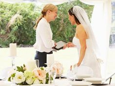 When you start planning a wedding, you may be tempted to enlist in the help of a wedding planner or a wedding coordinator. The Wedding Planner, Formation Wedding Planner, Online Wedding Planner, Wedding Planning On A Budget, On Your Wedding Day, Wedding Tips, Wedding Vendors, Wedding Bride, Wedding Planners