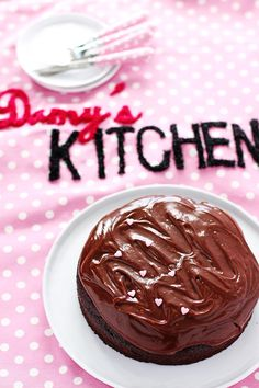 PRATİK ÇİKOLATALI PASTA - Damy's Kitchen Modern Farmhouse Kitchens, Farmhouse Kitchen Decor, Family Kitchen, Damy's Kitchen, Home Detox, Kitchen Styling, Chocolate Recipes, Oreo, Oatmeal