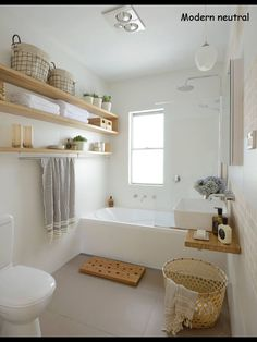 DIY:Small bathroom at a budget/ Kleines DIY Badezimmer mit viel Stauraum. ähnliche Projekte und Ideen wie im Bild vorgestellt findest du auch in unserem Magazin