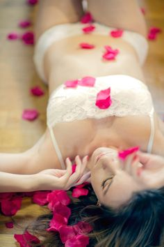 20 Awesome Photos for Bridal Boudoir Inspiration | @Angelica Suarez Roberts Photography