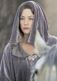 Liv Tyler as Arwen in The Lord of the Rings Trilogy. Arwen Undómiel, Aragorn, Gandalf, Liv Tyler, Arwen Costume, Lord Of Rings, Beau Film, Elfa, Middle Earth
