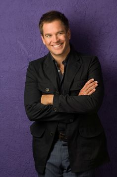 Michael Weatherly:  You'd need a 'slap on the head' if you don't find that smile endearing!!