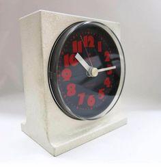 Junghans 70er Jahre Tischuhr von Zeitepochen - Shop auf DaWanda.com