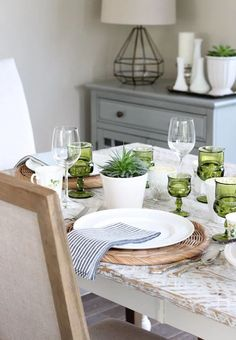 Nothing says spring like pops of fresh green. See how easy it is to create a pretty table setting using small potted plants, green glassware, thrifted decor and more! Succulents - Potted Plants - Indoor Plants French Table Setting, Country Table Settings, Outdoor Table Settings, Easter Table Settings, Easter Table Decorations, Small Potted Plants, Plants Indoor, Succulent Pots, Succulents