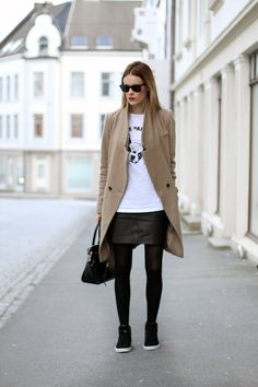 Outfit | Skirt and sneakers - sarastrand