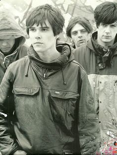 The Stones Roses, photographer unknown Music X, Music Bands, Rock Music, Stone Roses, Oasis Band, Wave Rock, Paul Weller, Rave Festival, Beastie Boys