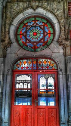sirkeci train station / istanbul / turkey - photo by koto serdar bulgu