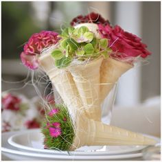 The post Table setting decor. appeared first on Blumen ideen. Deco Floral, Floral Design, Party Centerpieces, Wedding Decorations, Summer Table Decorations, Floral Centerpieces, Elegant Table Settings, Setting Table, Deco Nature